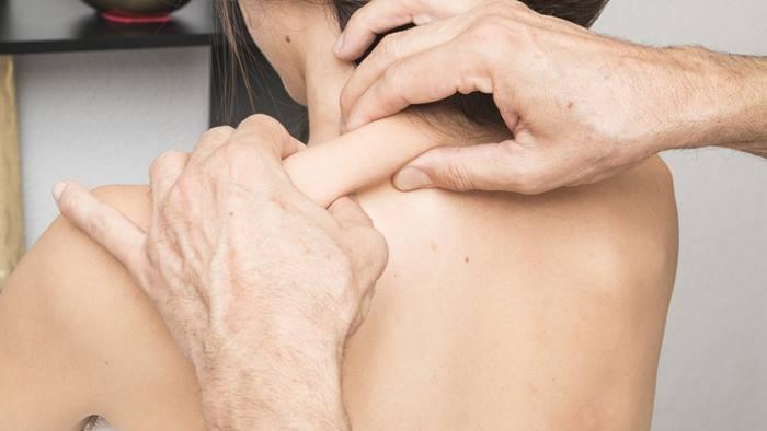 ศัลยกรรมลดไหล่กว้าง หรือวิธีการลด ด้วยท่ากายบริหารดังนี้